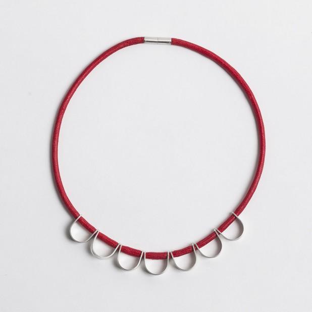 An Alleweireldt necklace